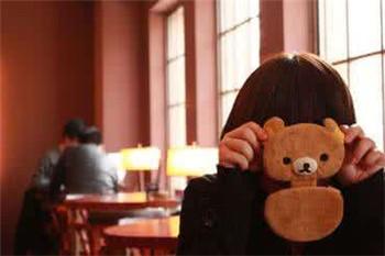如何克服社交恐惧症呢?