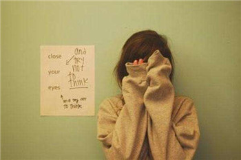 导致忧郁症病发的病因是什么?